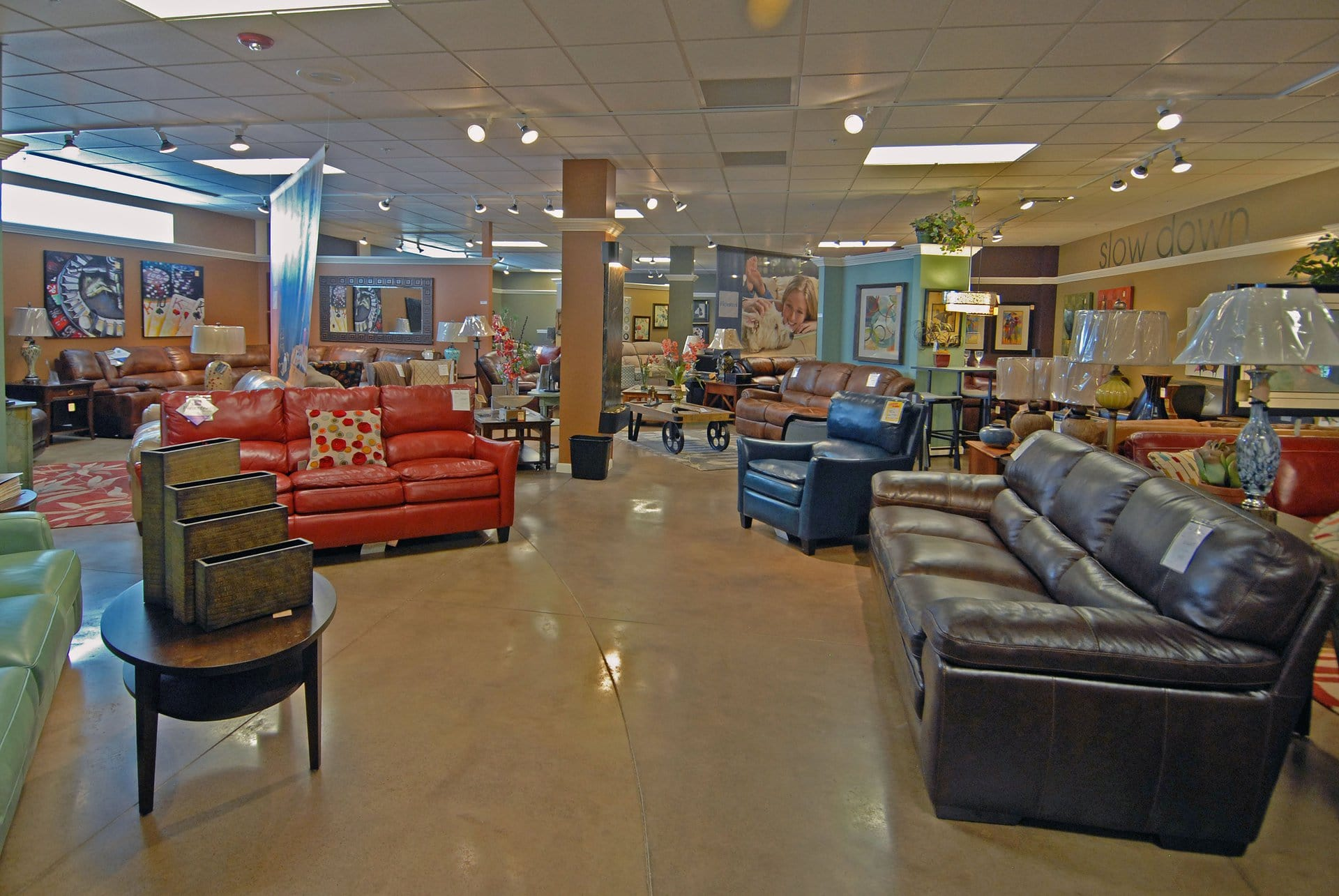 Mattress warehouse north olmsted furniture stores in for Fish furniture outlet