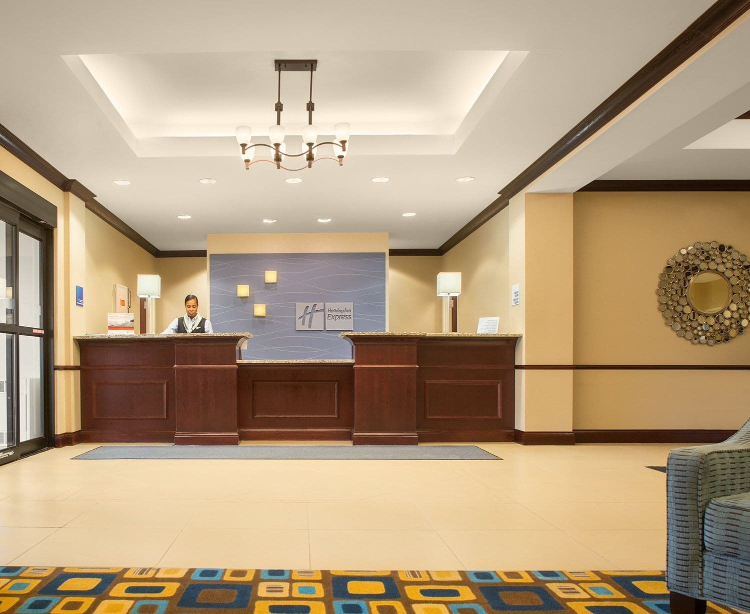 Lobby at the Holiday Inn Express Austintown