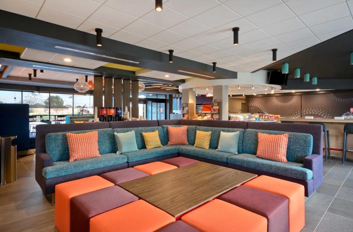 Tru Hotel Lounge