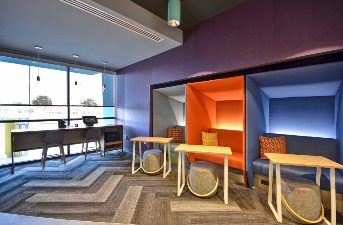 Tru Hotel work space